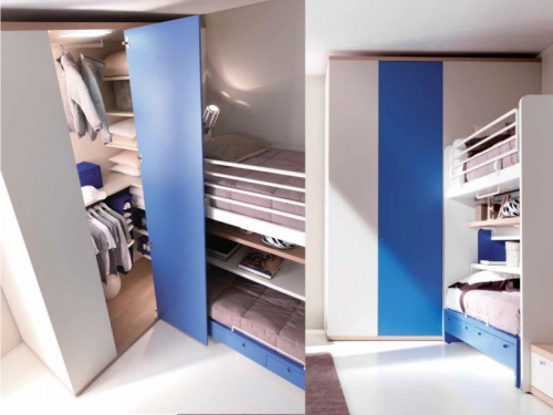 Cabina armadio lineare Kubo 4 Doimo Cityline aperta e chiusa