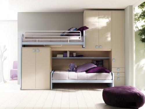 Letto a soppalco Moving Doimo Cityline con il letto superiore che scorre e libera la scala