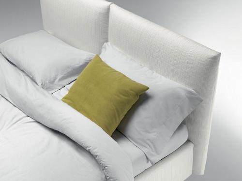 Coppia di cuscini che formano la testata del letto London di Noctis