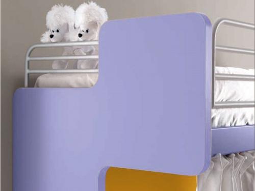 Particolare testata sagomata del letto a castello Fox