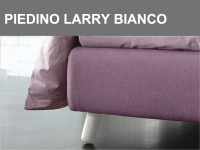 Piedino obliquo in legno Larry altezza 15cm in finitura Bianca