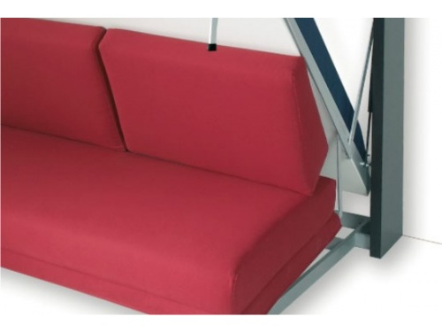 Particolare letto Houdini a ribalta verticale con divano e meccanismo di caduta assistito da pistoni a gas