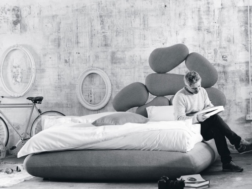 Letto imbottito matrimoniale dal design originale Noctis Stones contenitore