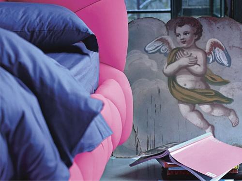 Particolare del letto imbottito Noctis Marvin in Lycra 900